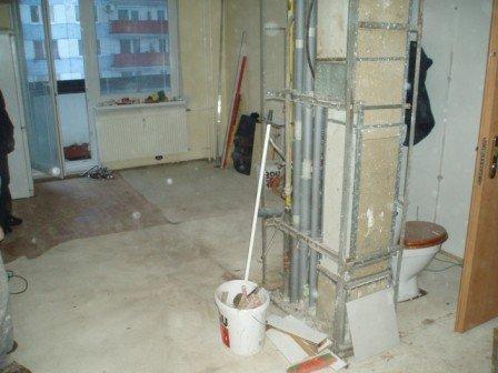 Rekonštrukcia kúpeľne - Demontované bytove jadro