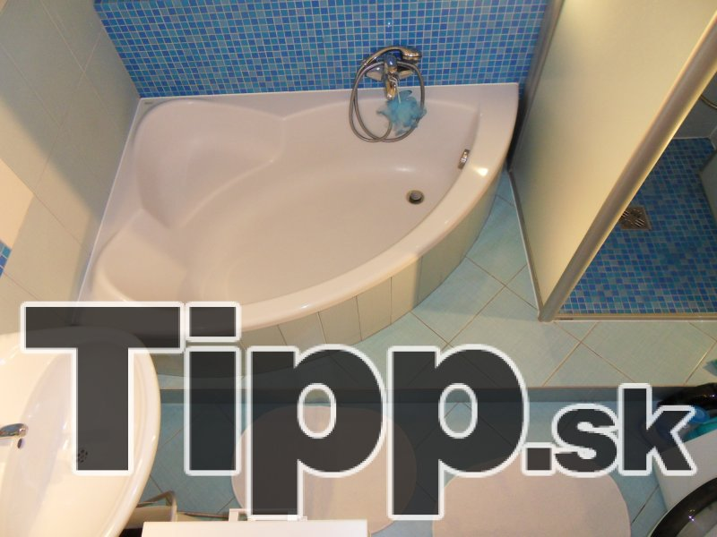Prestavaná kúpelňa s vaňou
